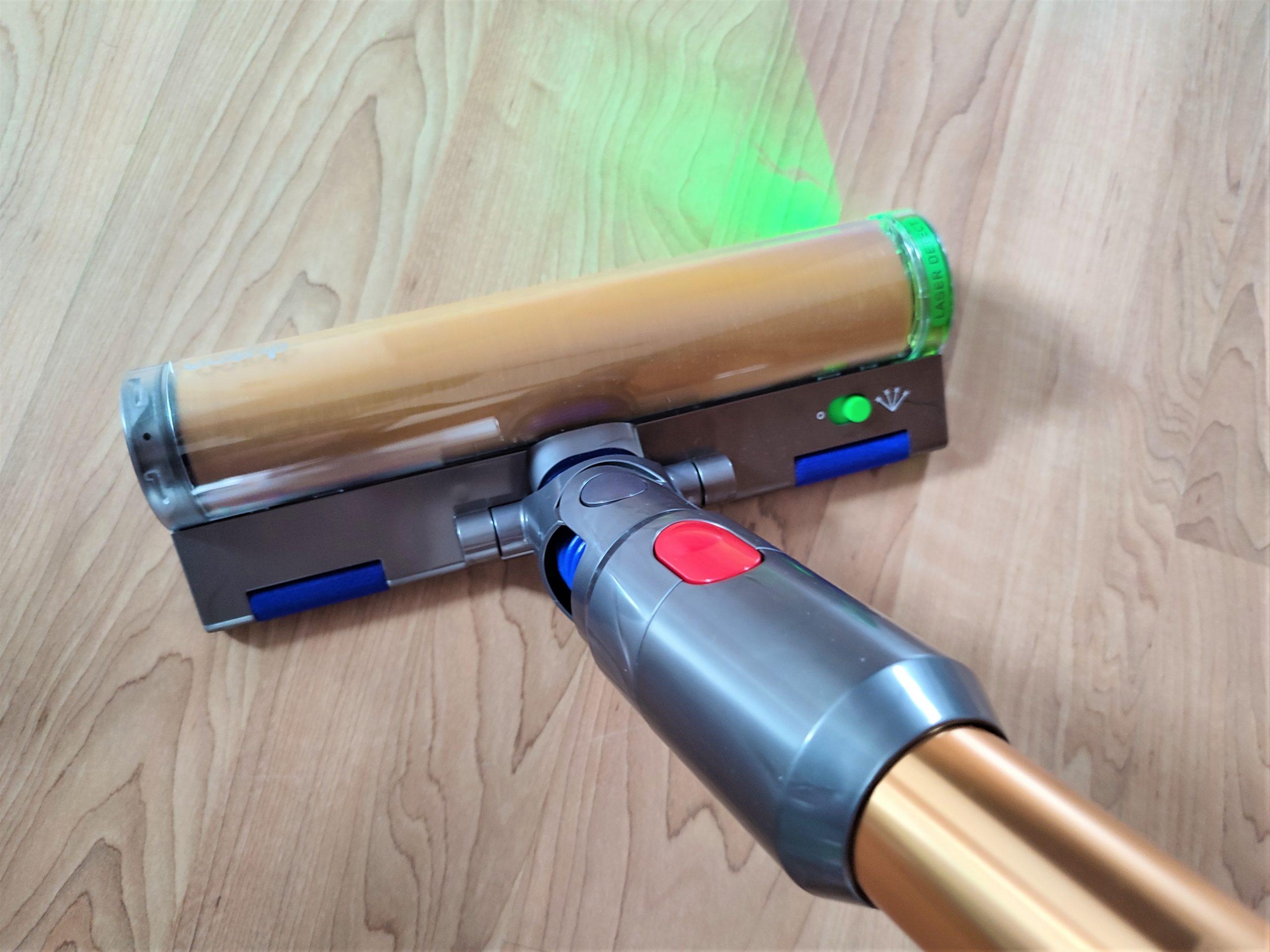 Dyson V15 Detect Akkusauger Bodenduese mit Laser Licht