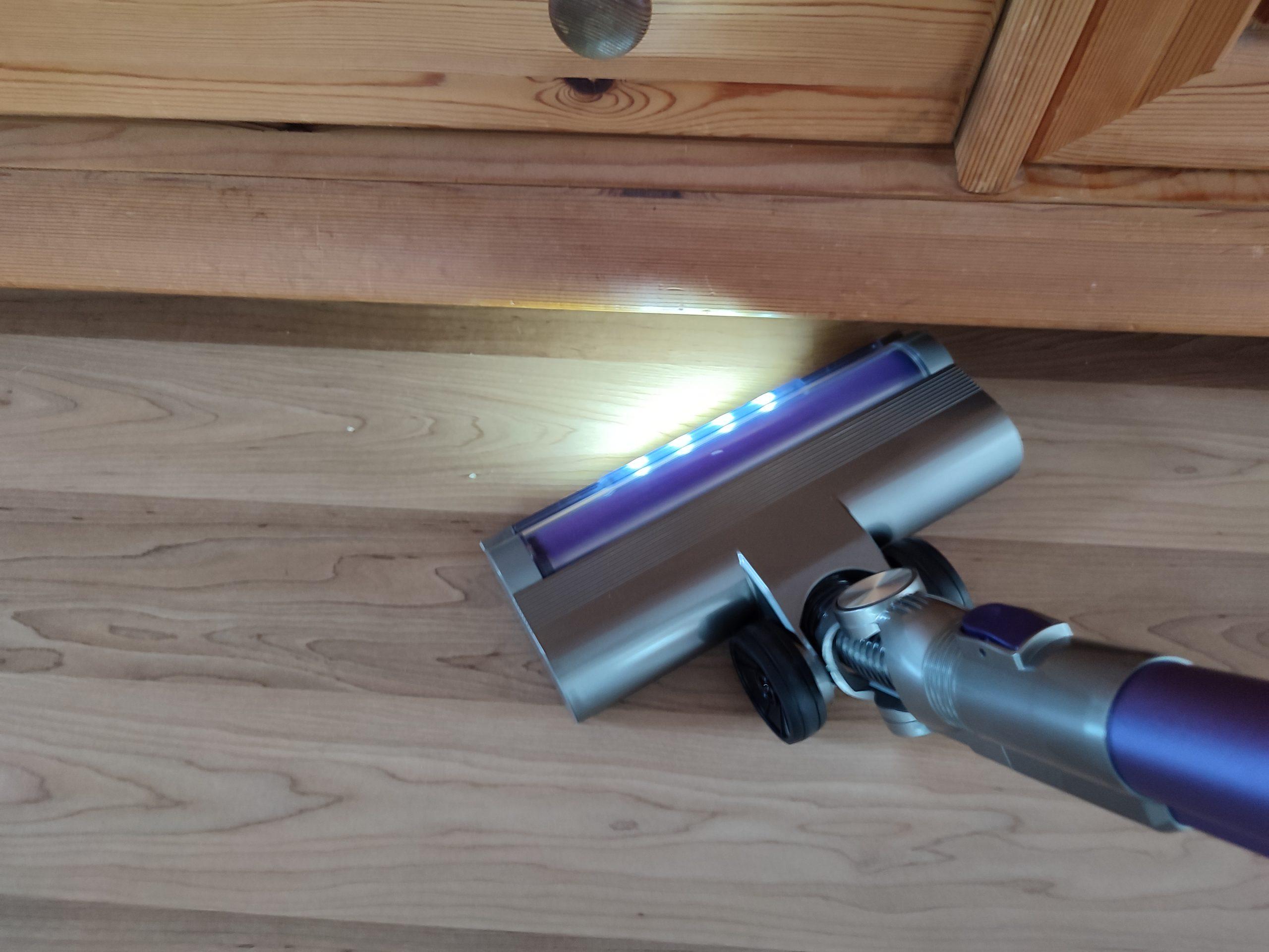 Laresar Elite 1 Akkusauger LED-Leuchten Unterseite Bodenduese
