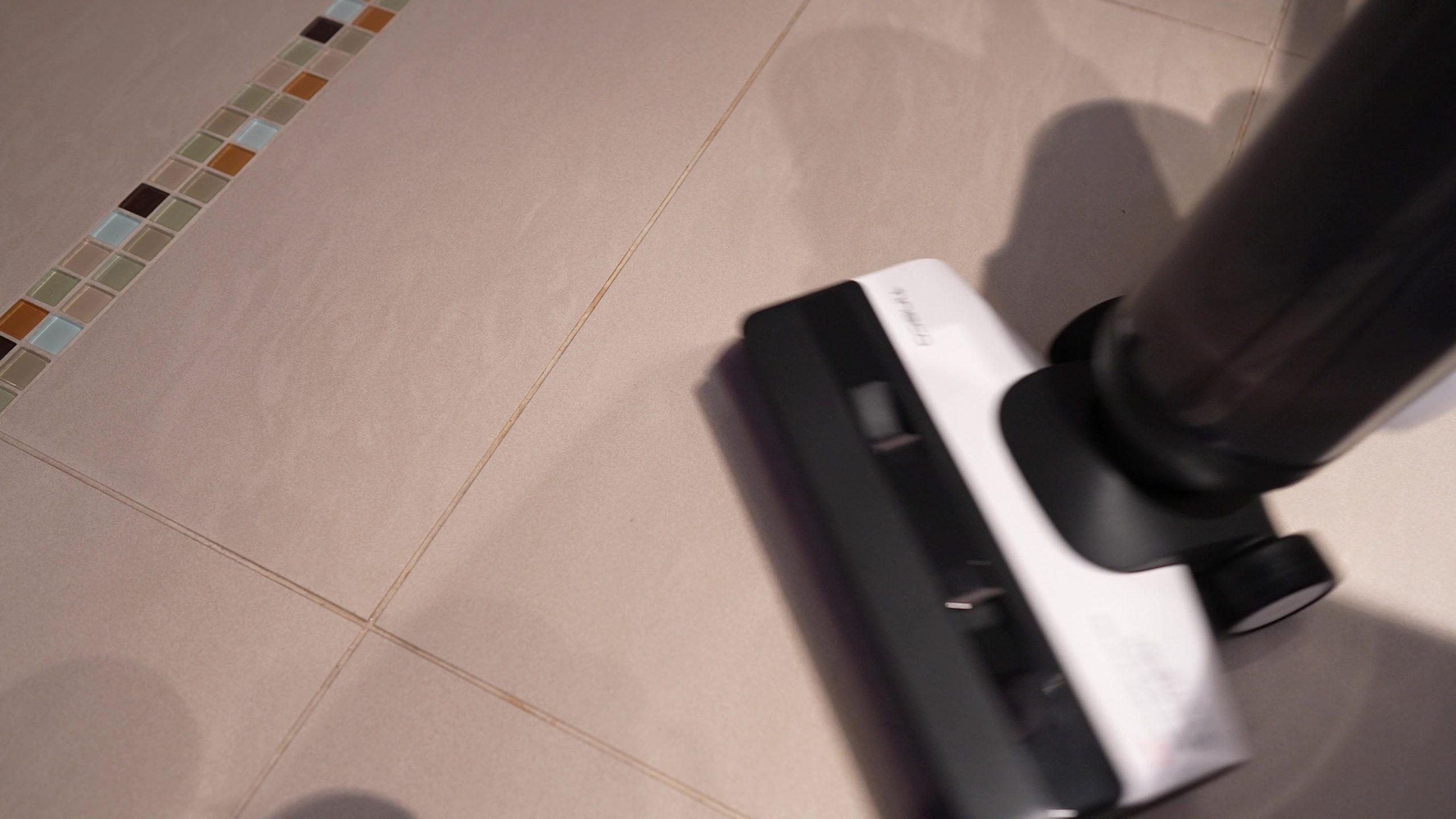 Tineco Floor One S5 Pro Wischsauger Akkusauger Kaffeeflecken
